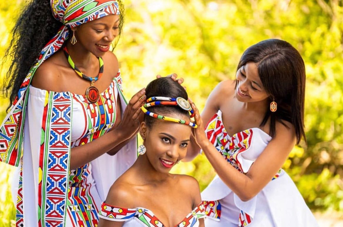 traditional wedding attire for bride 2021 (18)
