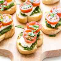 Pesto Bruschetta - Pesto Cream Cheese and Tomato Bruschetta