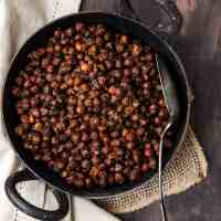 Sookhe Kale Chane (Dry Black Chickpeas Curry)