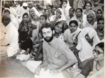 Shyamdas accompanied his guru Shri Prathameshji at several Soma Yagnas, Vedic fire sacrifices that lasted many days