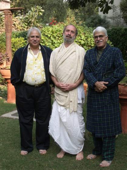 Shyamdas was good friends with the legendary dhrupad singers Rajan and Sajan Mishra. Here at a dhrupad music festival in winter of 2006