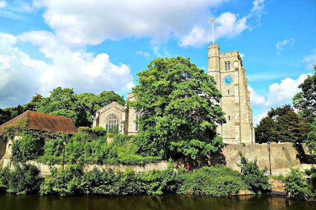 Maidstone village Travel Roundup