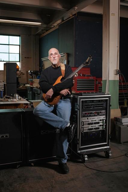 Roadies Unlikely Survivors in the Music Business  WSJ