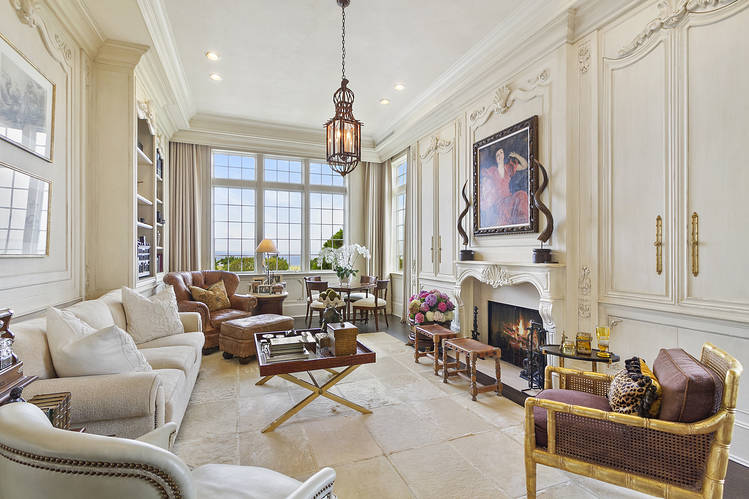 Beauty Entrepreneur Lists Hamptons Home for $38 Million - WSJ