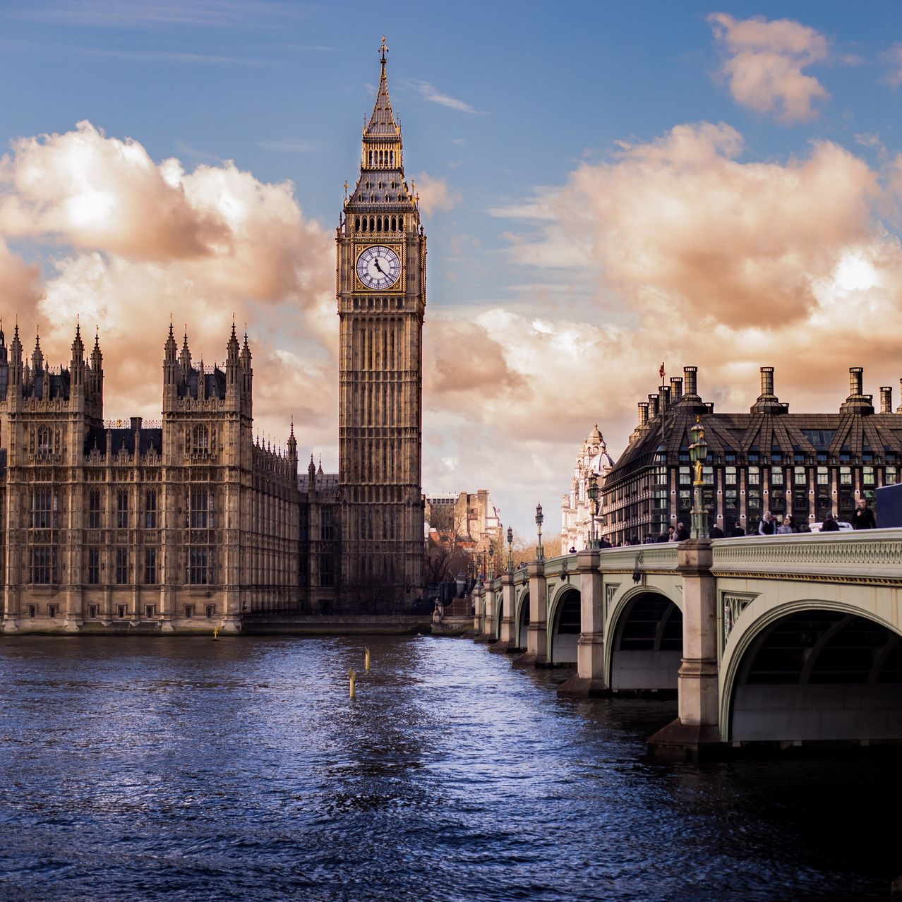 Tickets sold for trips to London over Christmas jumped 20% this season, and hoteliers say many high-end properties will be full on the holidays for the very first time in a number of years. The strong U.S. dollar makes Europe a bargain.