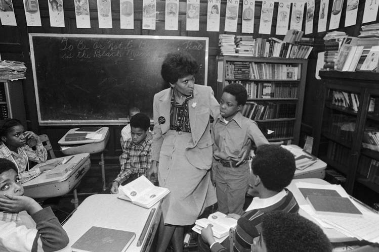 Marva Collins with students in 1980.