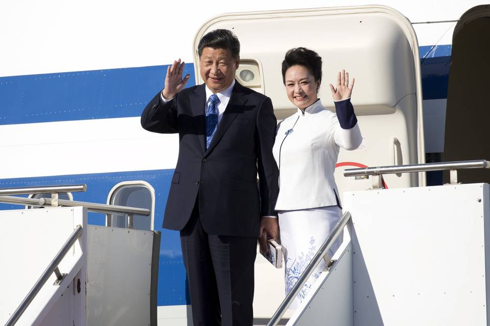 Chinese President Xi Jinping and his wife, Peng Liyuan, arrived in Washington state on Tuesday.