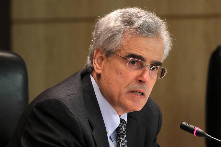 SEC Commissioner Luis Aguilar.