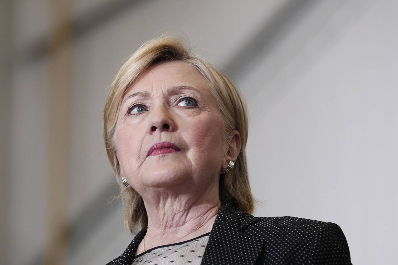 email questions haunt hillary
