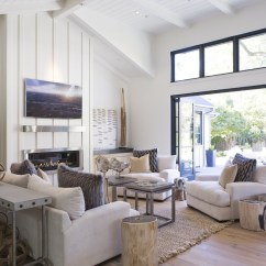 Wine Country Living Room Teal And Brown Curtains Modern Farmhouses California S New Must Have Homes Wsj Maria Martinez Friend Lizette Fiallo Bought This Farmhouse Style Home In St Helena