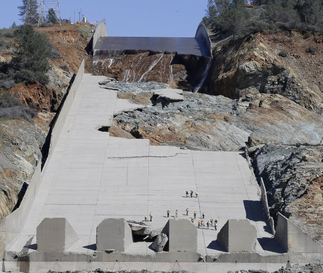 Officials Inspecting Oroville Dams Crippled Spillway On Feb 28 Following Some Repairs California