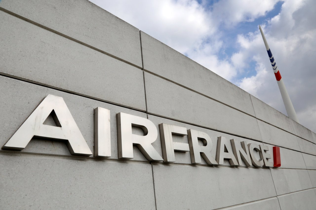 Air France Says Delta, China Eastern Each Acquiring 10% of Its ...