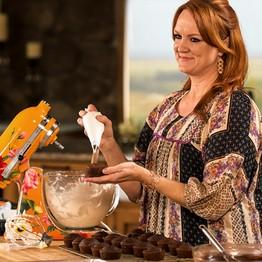 Pioneer Woman Serves Up Guilty Pleasures Lots Of Butter