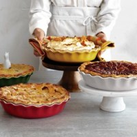 Le Creuset Pie Plate & Sc 1 St Sur La Table