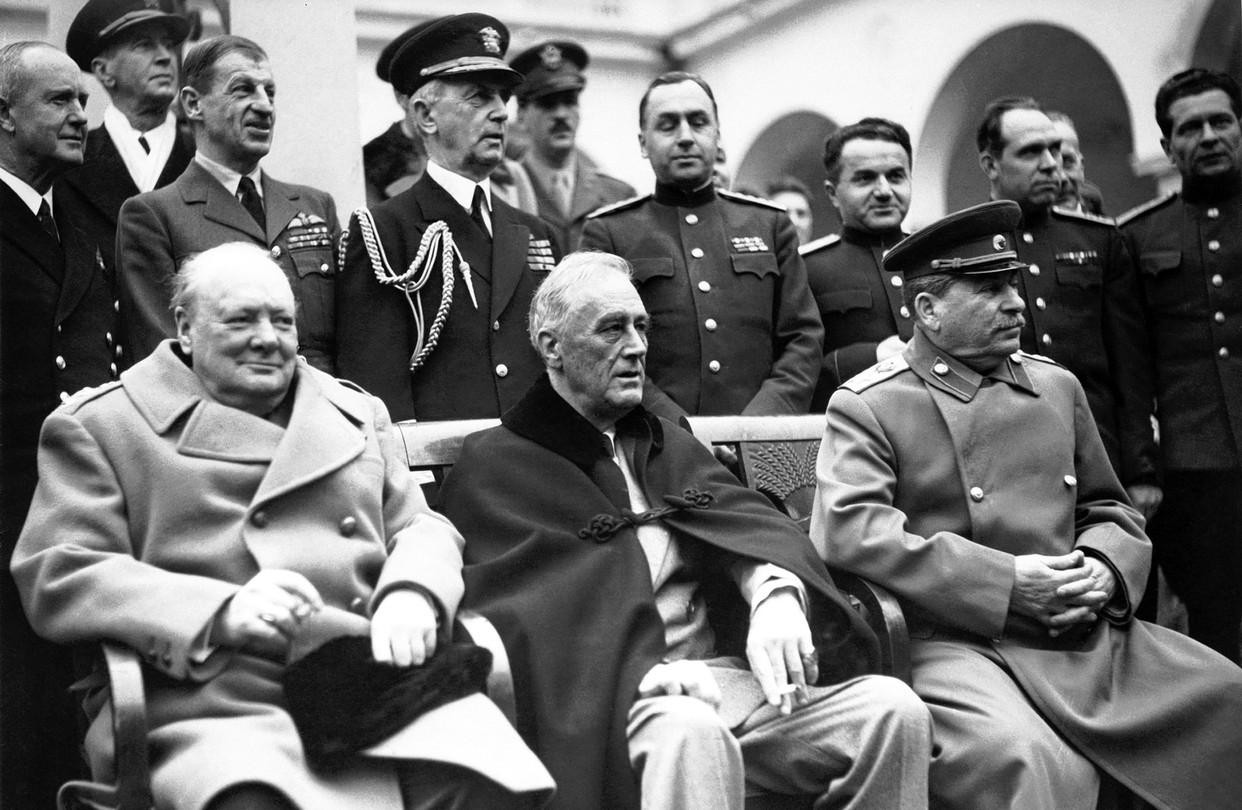 """Résultat de recherche d'images pour """"PAPERS ON THE LEADERS IN THE WORLD"""""""