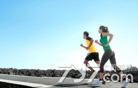 跑步時肚子痛是怎麼回事 8大因素保準助你解開疑惑 - 每日頭條