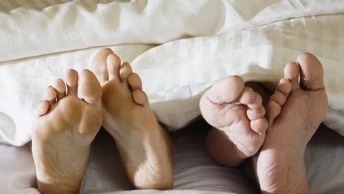 看腳上的這6種情況。就知道是什麼疾病。為家人收藏 - 每日頭條