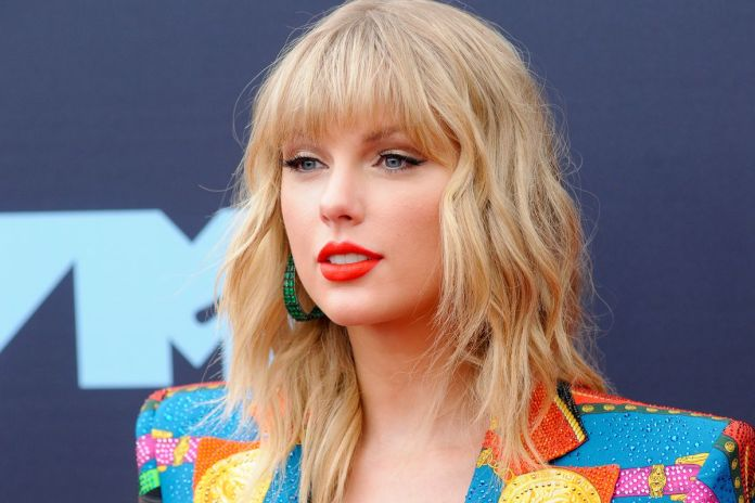 Taylor Swift Wins Best Solo Act In The World At The NME Awards 2020