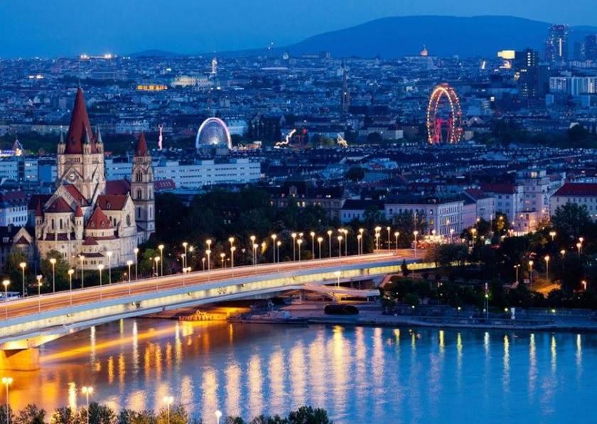 فيينا ، السفر إلى النمسا