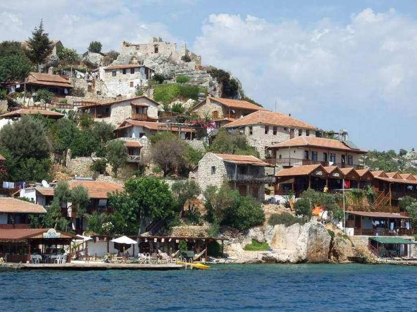 قلعة كوي.. واحدة من أجمل القرى في تركيا