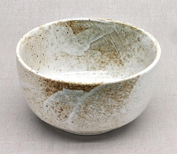 Japanische Matcha-Schale,  weiß-braun, Keramik-Handarbeit, 13 x 8 cm