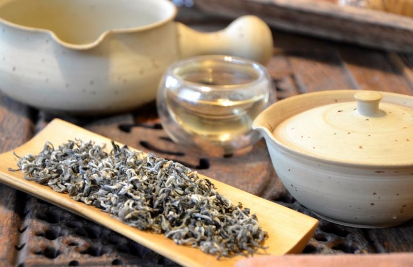 Ancient Snow Shan Grüner Tee - Artisan Grüner Tee von alten Tuyet Shan Teebäumen in Nordvietnam