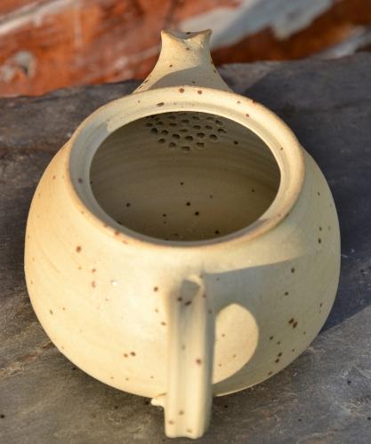 SiamTee Signature Teekanne 2.0 - aus dem ton herausgearbeitetes Lochsieb