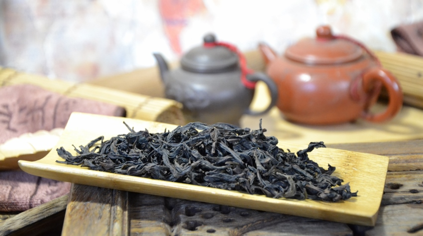 Authentic Qidan Da Hong Pao Oolong Tea from the first generation cutoffs of the motherbushes, by Cindy Chen, Zhengyan, Wuyishan