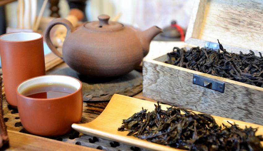 Tie Luo Han Wuyi Yan Cha Oolong Tea - from a tea garden of the Chen family in Da Shui Keng, Banyan, Wuyishan