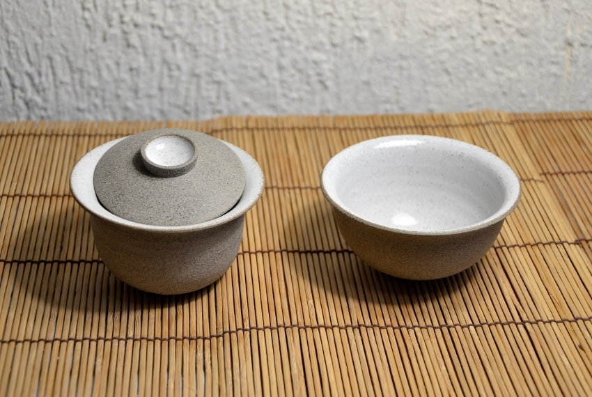 Gaiwan, 120ml, light grey clay, white inner glaze, set with tea bowl, handmade according to SiamTeas specifications by Lower Saxon tea pottery master Karina Klages