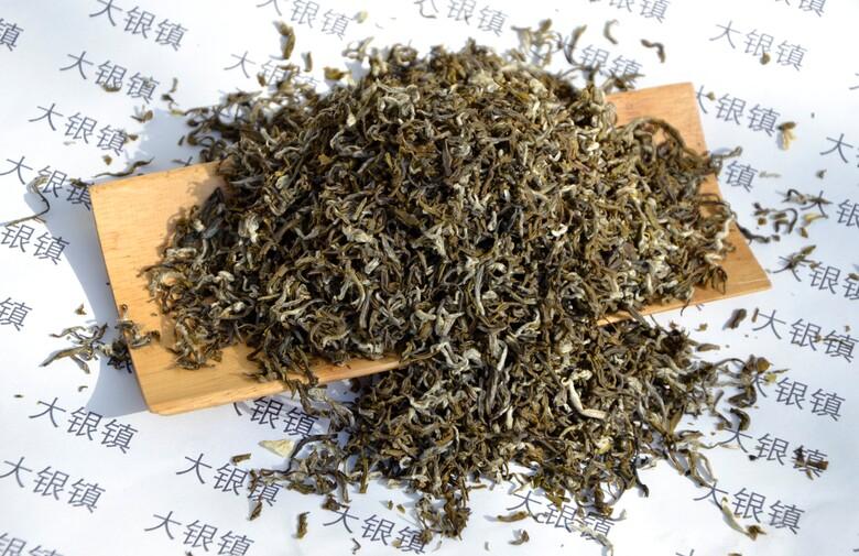 Qingming Maofeng Jasmine Snowflake (Bi Tan Piao Xue) - Jasmine green tea based on a quality Mao Feng green tea from Fanjingshan, Guizhou, and freshly picked midsummer Jasmine flowers