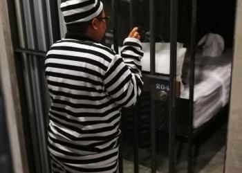 Un hôtel à l'atmosphère de prison a ouvert ses portes à Bangkok