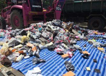 Phuket : 2 millions ฿ d'articles contrefaits détruits