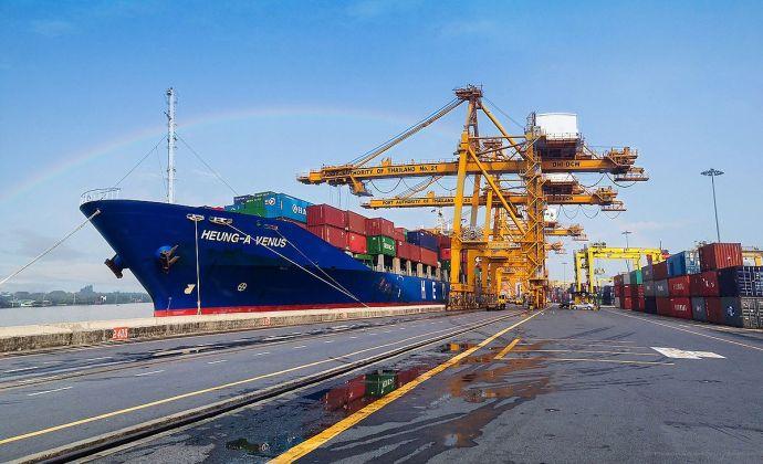Les exportations de la Thaïlande baissent en septembre, soit la première fois en 19 mois