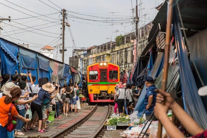 La province de Samut Songkhram offre de nombreuses activités originales et il s'agit d'une destination idéale pour une excursion d'une journée au départ de Bangkok