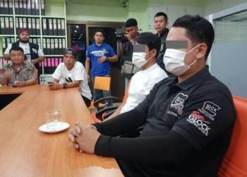 Pattaya : 2 arrestations après une arnaque pour des mégots jetés dans la rue