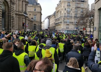"Gilets jaunes : un ""Acte XIII"" sous tension à travers la France"