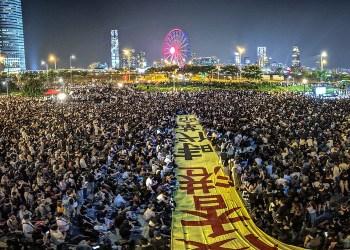 Hong Kong entre en récession alors que la crise ne montre aucun signe d'essoufflement
