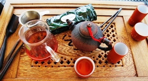 Bulang Gushu ripened Pu Erh tea - bright red infuseion colord