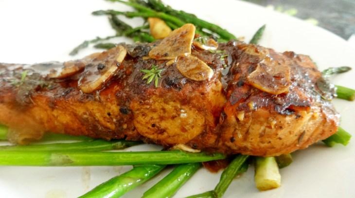Jerk Salmon with Asparagus