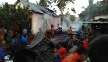 Api Hanguskan Dua Unit Rumah Semi Permanen di Nagari Aia Gadang Pasaman Barat