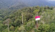 Peringati HUT RI ke-73 Bendera Raksasa Dikibarkan di Bukik Gadang Pasaman