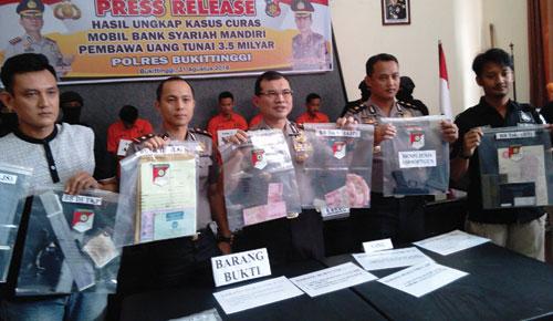 Polres Bukittinggi Ungkap Kasus Curas Rp3,5 Milyar