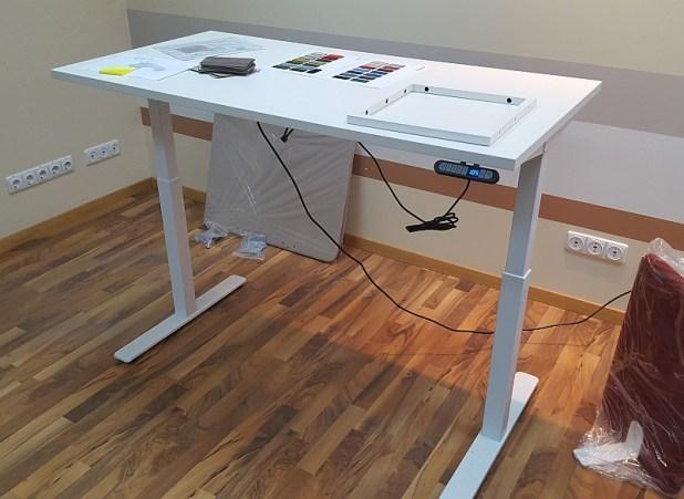 elektrinis stalas