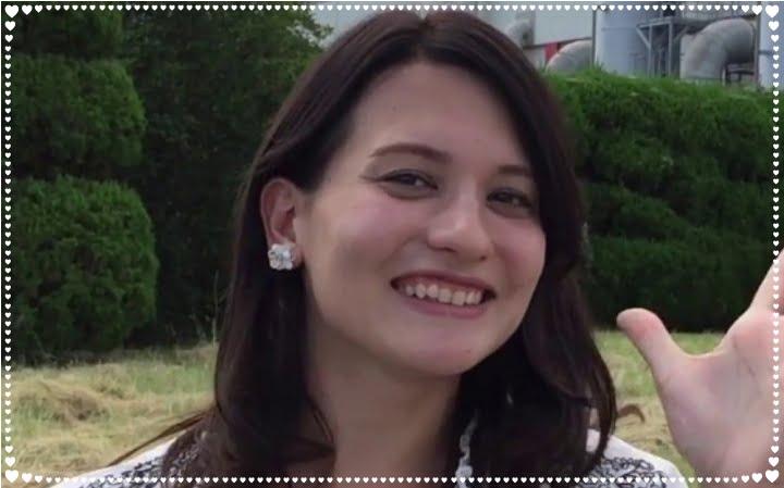ElizabethHardcastle,announcer