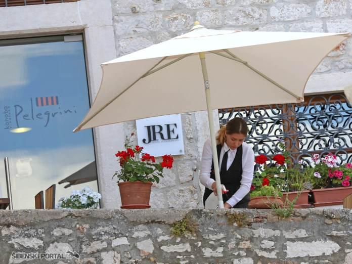 restoran pelegrini konobari sezonci 030616 1