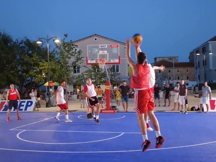 basket drnis igra noc