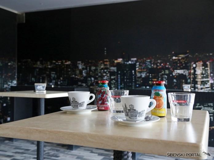 caffe bar sunx 280917 4