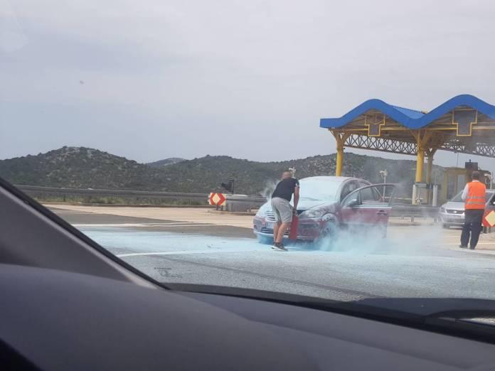 vatra vozilo auto automobil naplatne kucice autocesta a1