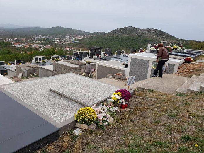 svi sveti groblja (2)